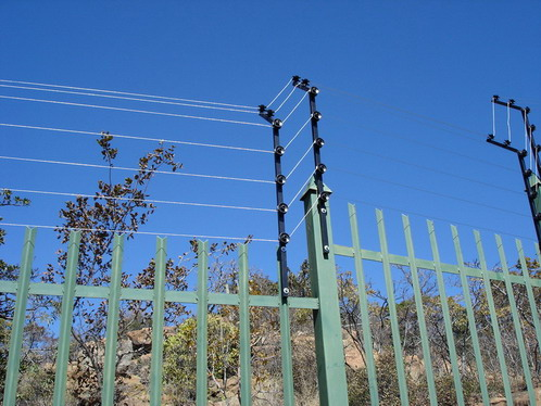 HOW TO INSTALL AN ELECTRIC FENCE - INSTRUCTABLES.COM